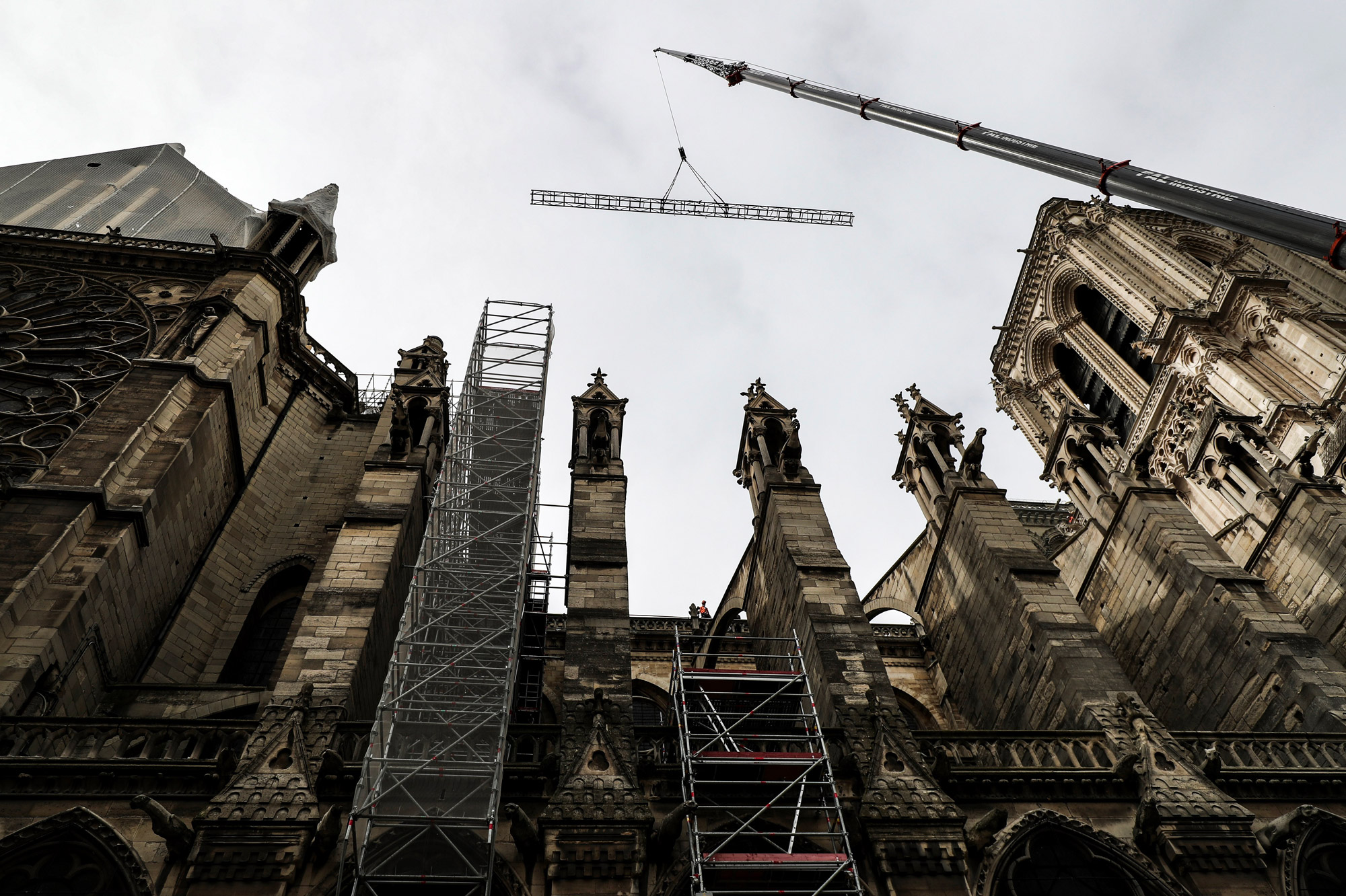 Près de Notre-Dame de Paris, le 23 avril